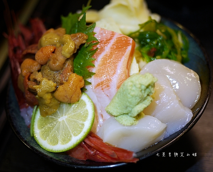 9 小六食堂海膽三色丼