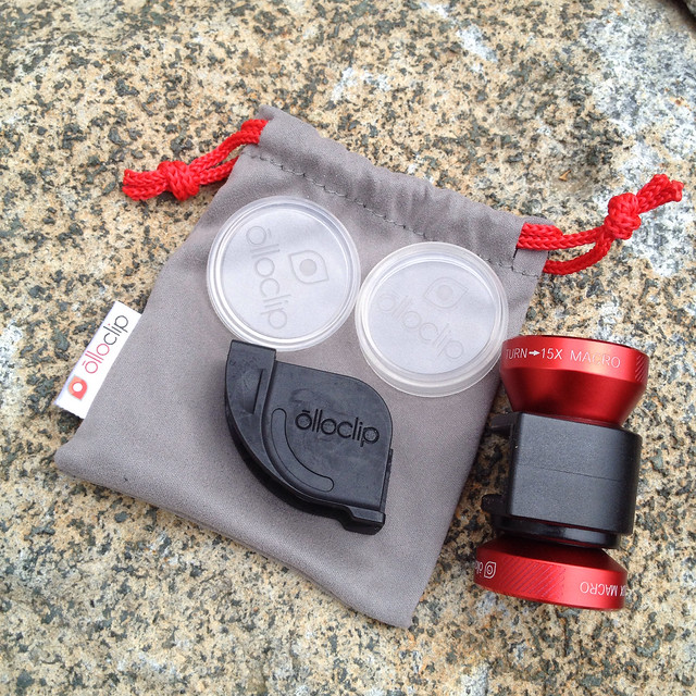 What came in the Olloclip box.