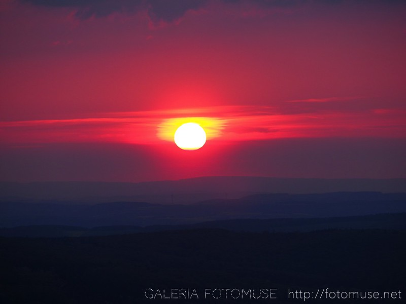 1 Mai Sunset