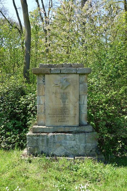 Denkmal Nr. 1 für den letzten erlegten Wolf in NRW