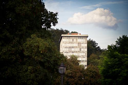 Big house, little cloud by dusan.smolnikar