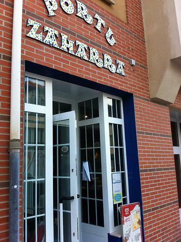 Bar Portu Zaharra en Arminza by LaVisitaComunicacion