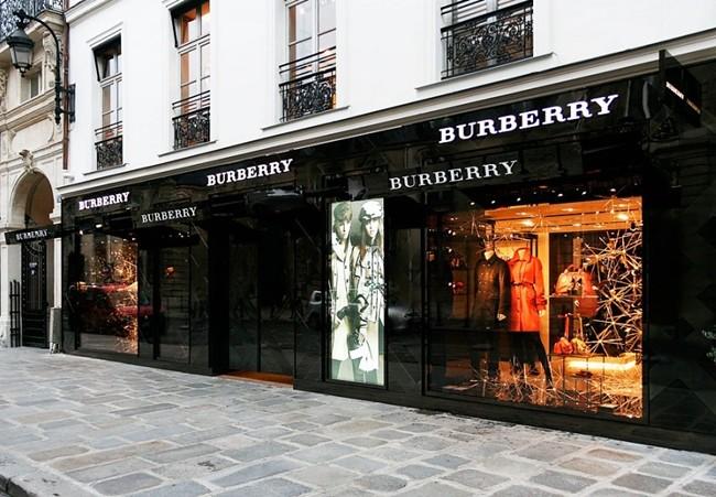1 - Burberry Store - Rue de Faubourg Saint-Honoré