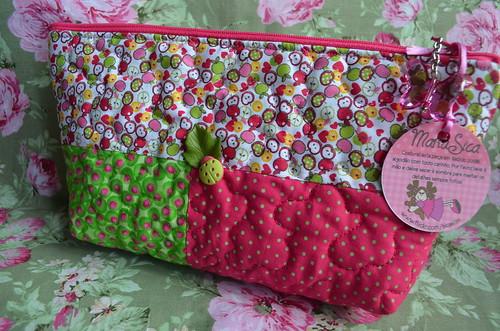 Necessaire mini maçãs by Maria Sica