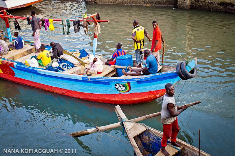 Elmina - footballers canoe