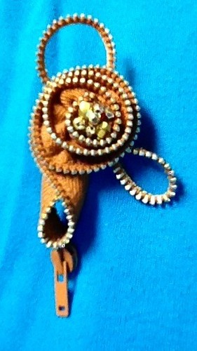 Zipper brooch #1