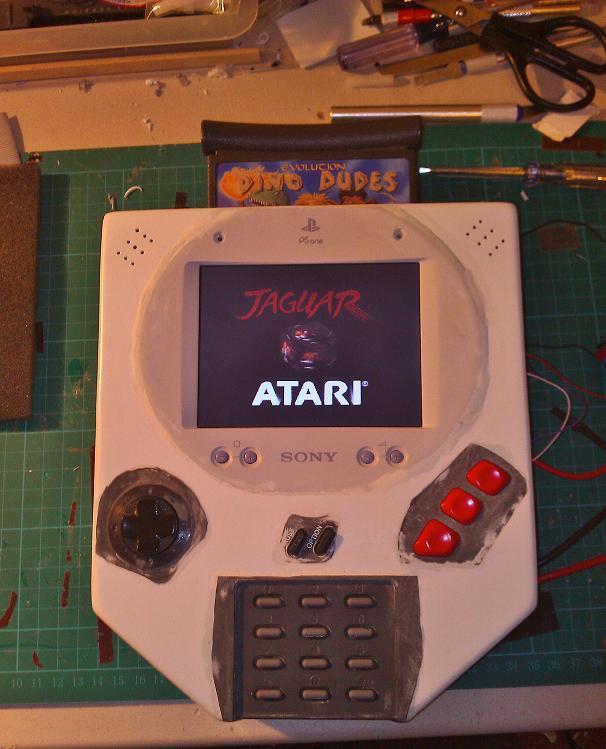 Una Atari Jaguar portátil