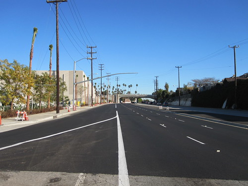 Disappearing Venice Blvd. Bike Lane at San Vicente
