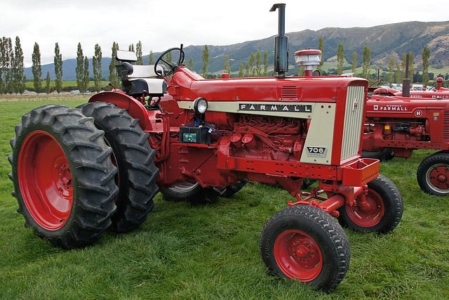 International Harvester Farmall Tractors : Farmall tractor the west otago vintage