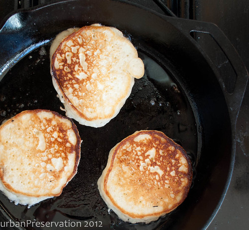 Pancakes_golden_brown.jpg