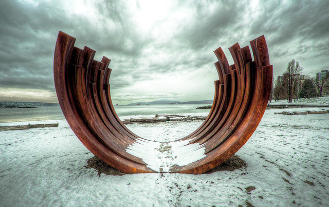 Arcs 217.5 X 13, Bernar Venet, Sunset Beach