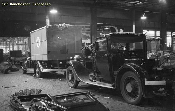Converting car bodies into ambulances, 1940