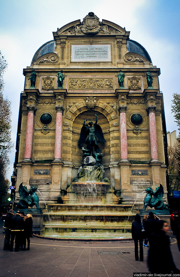 Fontaine Saint-Michel, Paris