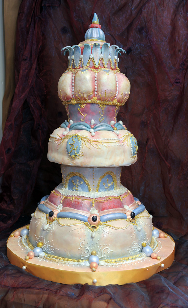 Extravagante Hochzeitstorte A Photo On Flickriver