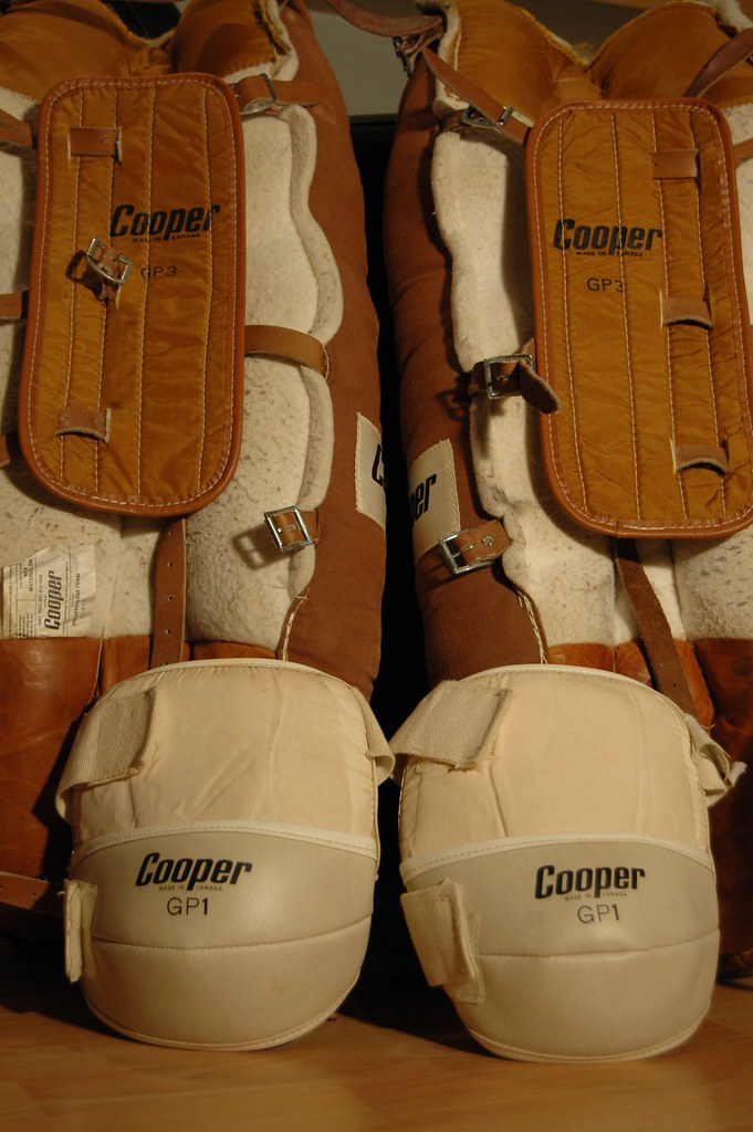 goalie pad vintage Cooper