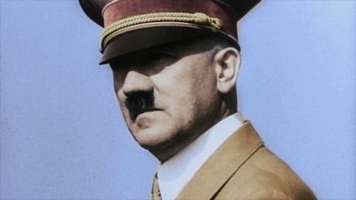 Apocalypse Hitler-Hitler © CC&C / Nara