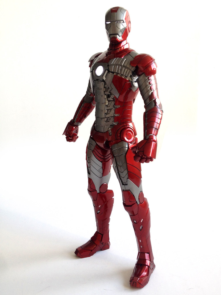 Tales To Astonish » Review: Hot Toys Iron Man – mark V