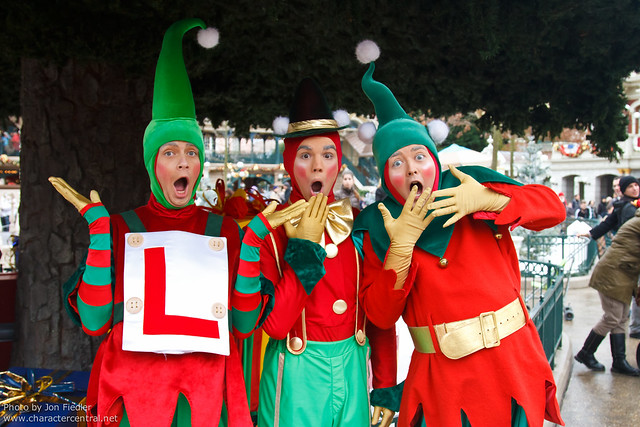DLP Jan 2012 - Santa's Elves have fun in Town Square