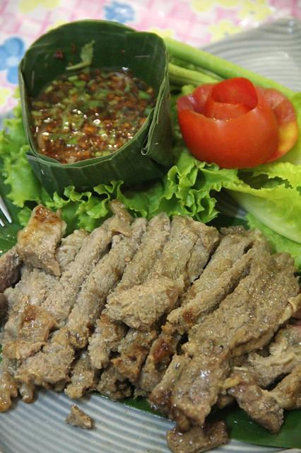 Neau yang (grilled beef เนื้อย่าง)