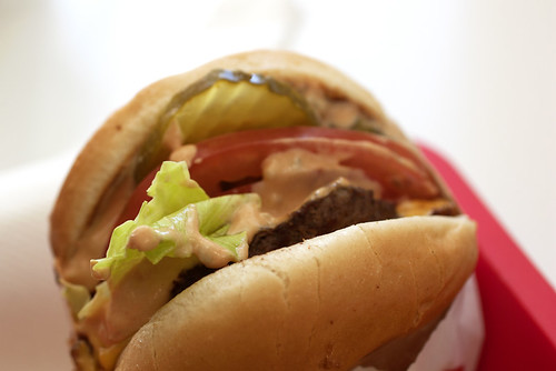 burger @ in-n-out