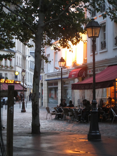 Place des Abbesses, Paris (by: La Citta Vita, creative commons license)
