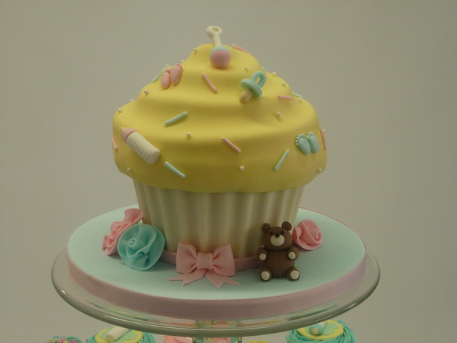 Living Room Decorating Ideas Baby Shower Cakes Giant Eagle