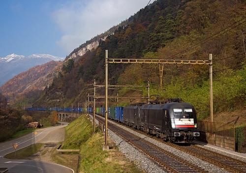 railroad alps switzerland ticino siemens railway trains svizzera taurus bahn alpi mau txl freighttrain ferrovia treni gotthard 41071 gottardo mrce e190 txlogistik nikond90 es64u2 guterzuge italcontainer