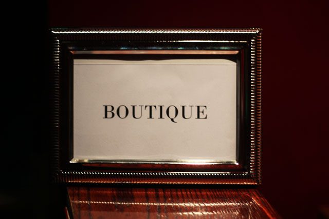 boutique sign