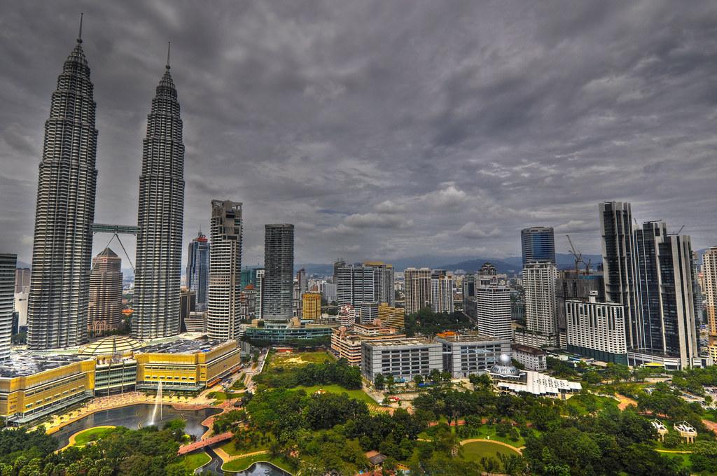 Twin Tower skyline ...