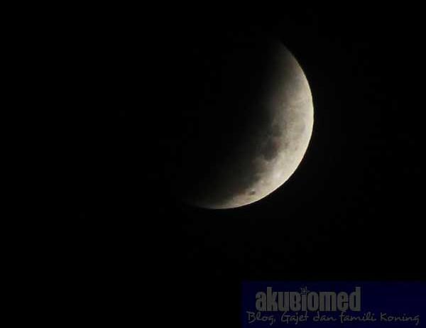 Gambar bulan selepas gerhana