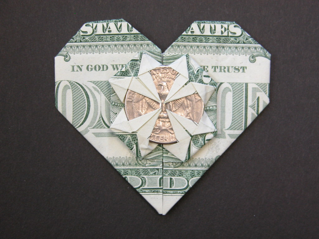 How to Make an Origami Dollar Ring (Moneygami) - Rob's World - YouTube | 768x1024