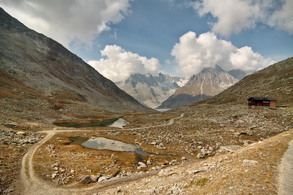 Suiza - Las montañas - Lago Marjelensee y refugio Gletscherstube