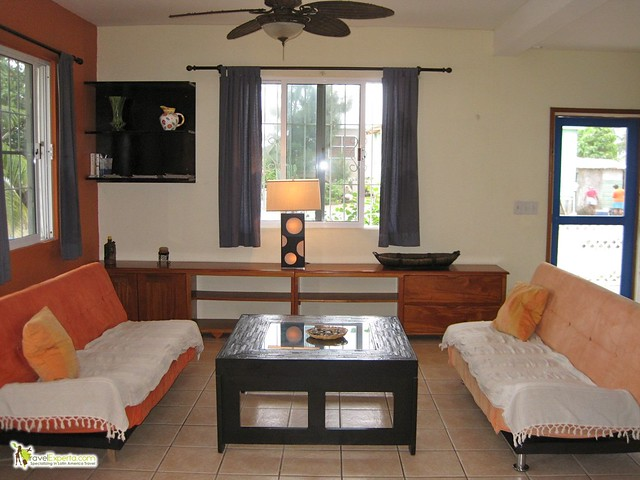 6527484545 1f10bdcd96 z 4 Places to Go to and Where to Stay in Belize