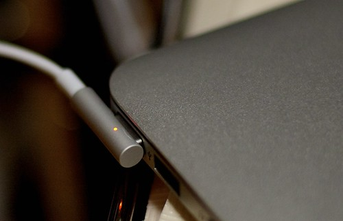 Magsafe by cinz
