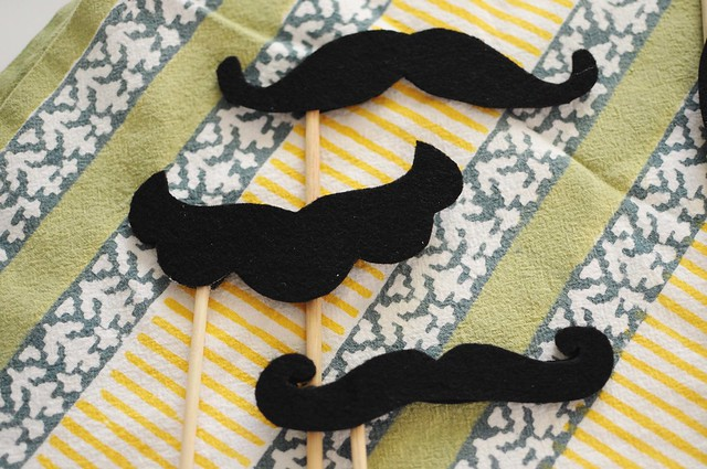 a set of staches