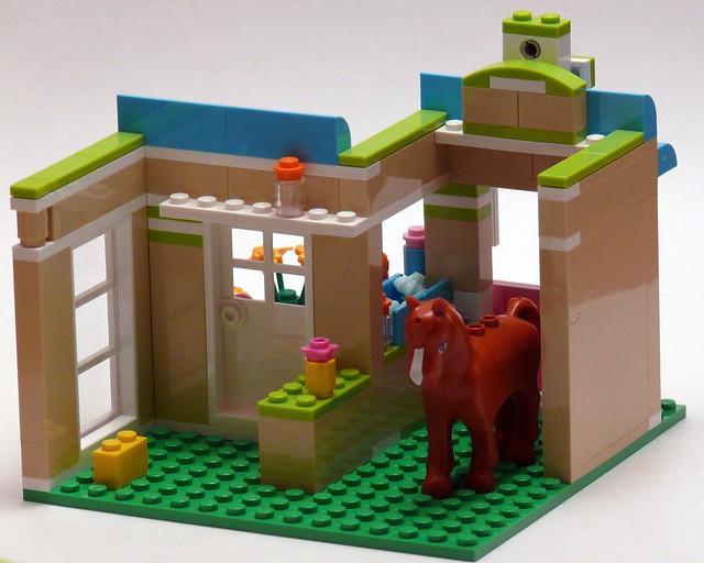 LEGO Minifig Lot//4 HAIR BRUSHES Belville Friends Red Orange Pink Blue Hairbrush