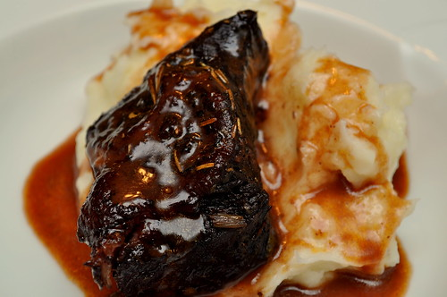 Red-Wine-Braised-Short-Ribs-Bon-Appetit-02