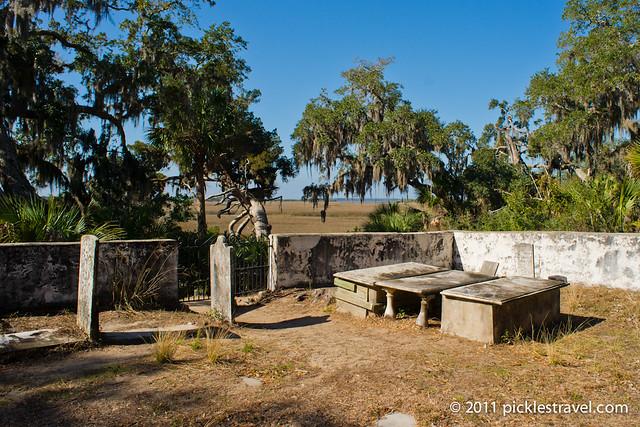 Robert E Lee's dad's gravestone