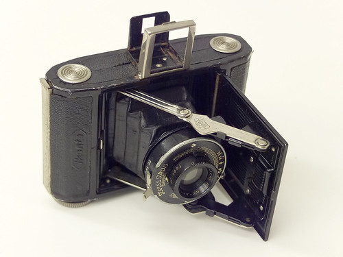 Zeiss Ikon Baby Ikonta by pho-Tony