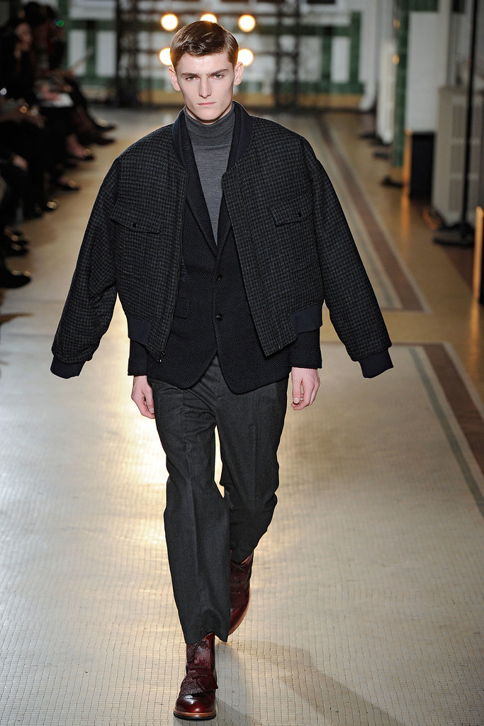 FW12 Paris Wooyoungmi025_Alexander Beck(VOGUE)