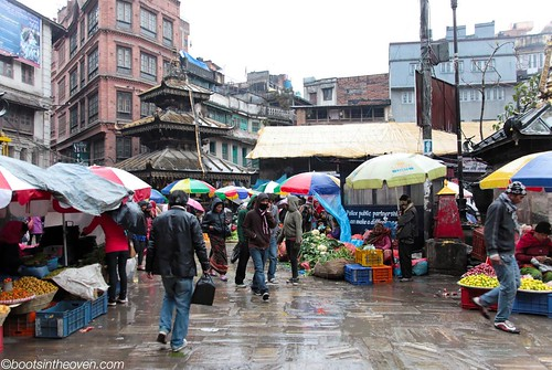 Market, rain, pagoda... Kathmandu
