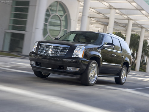 Cadillac-Escalade-ESV-Front-View-on-The-Road