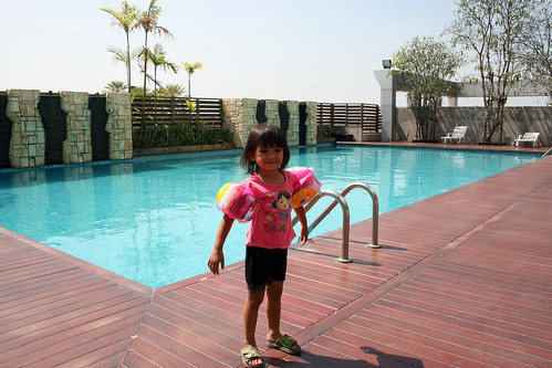 Nong Ja and Swimming