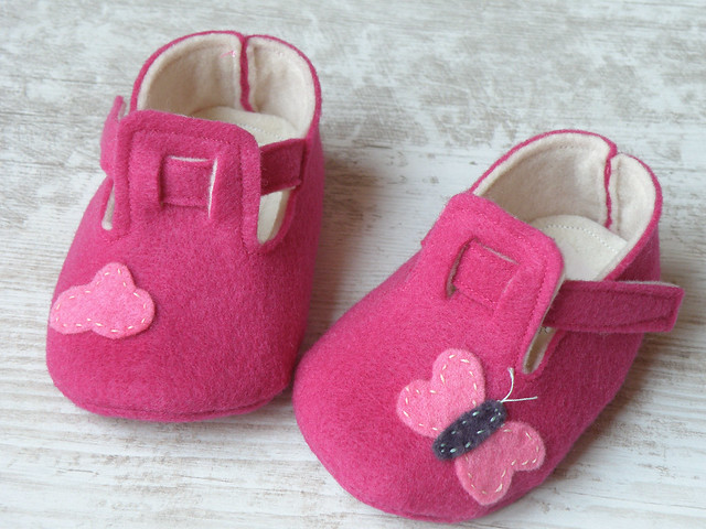 Baby felt shoes Blue booties and slippers for your baby