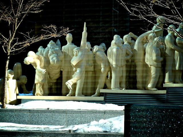 Monuments_montréalais, Foule_illuminée 15