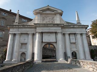 Imagine de Porta San Giacomo. italy bergamo lombardy