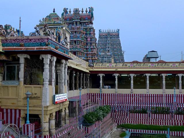 6427535609 768302b40d z - Los templos Vímana en la India