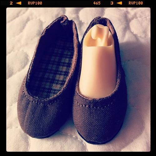 Mejorando la técnica, zapatos para minifeé