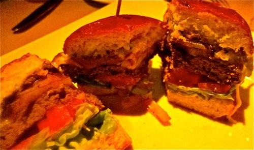 famous Vibrato hamburger