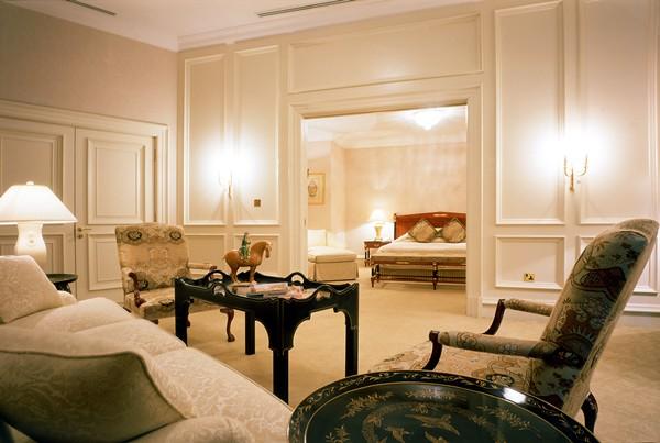 15) The Ritz-Carlton Suite Bedroom